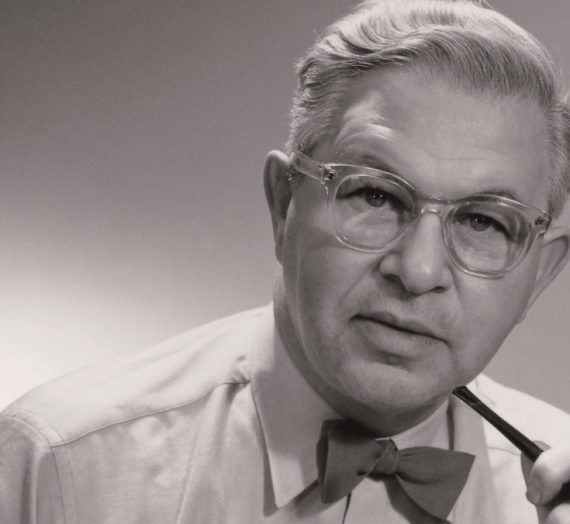 Get to know iconic designer Arne Jacobsen in 8 quick facts.