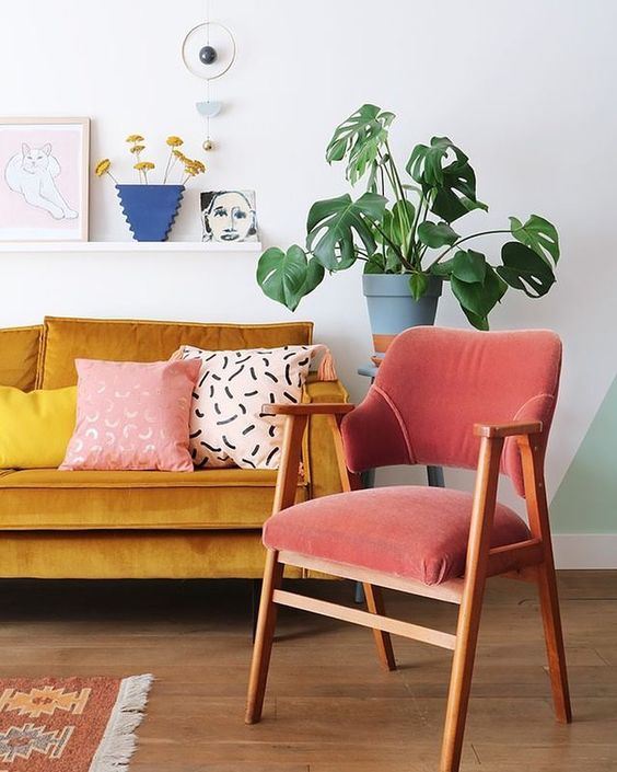 The Vinterior team picks out  their favourite vintage armchairs on Vinterior