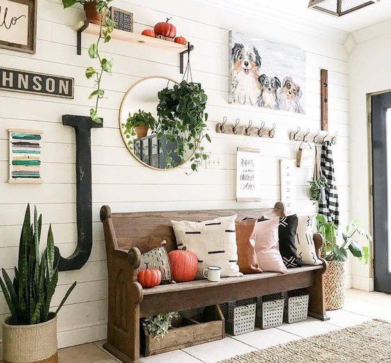 Five vintage alternatives to boring hallway furniture