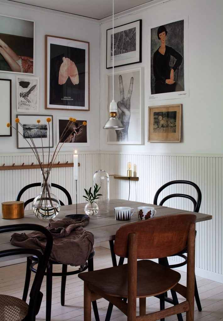 Vintage Dining Tables Designed For Compact Living