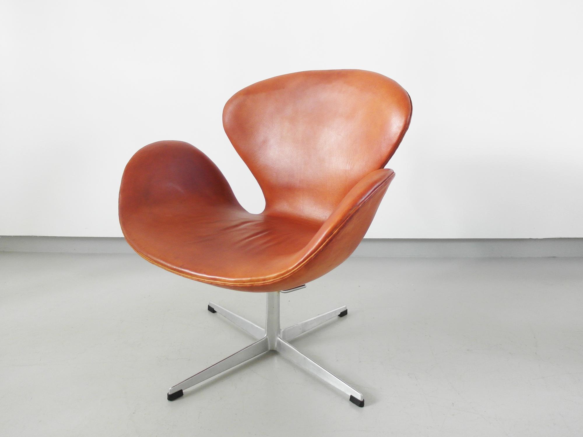 swan chair arne jacobsen mid century vintage