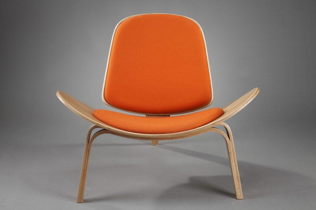 Iconic chair designer Arne Wegner's Shell chair
